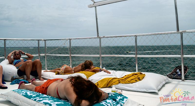 dr-fish-deck-nap