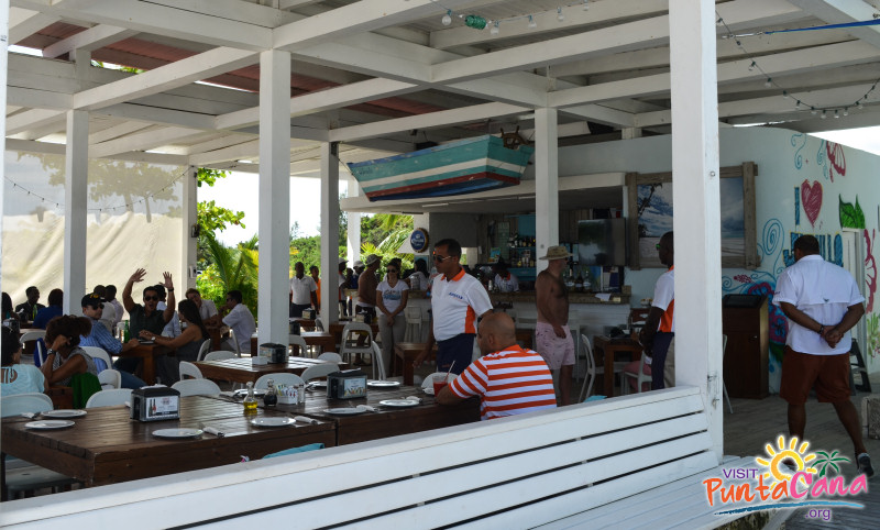 Juanillo Beach Food & Drinks